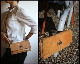 Vintage brown leather crossbody bag, vintage tan leather shoulder bag purse, Italian leather crossbody envelope bag