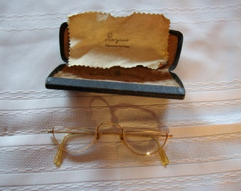 Rayner Solid Gold Vintage Reading Glasses with original case and cleaning cloth
