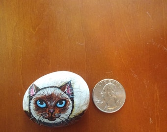 Hand Painted Rock/Pebble Cat : Siamese