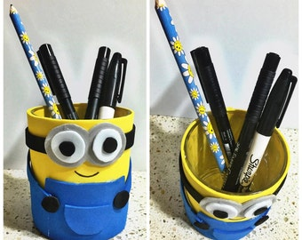 Pen holder with MINION in Fommy