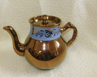 Vintage Gibsons Gilt and Blue Teapot