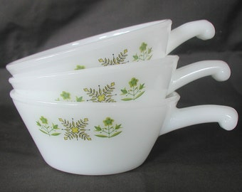 Set of Three Vintage Anchor Hocking Fire King Soup Bowls Meadow Green Milk Glass 1970s