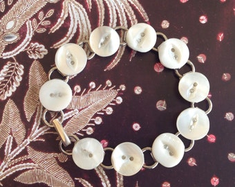 Mother of Pearl Buttons Bracelet.