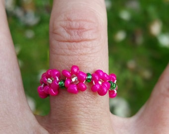 Sweet little pink daisy ring