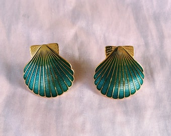 Turquoise-green gold shell earrings