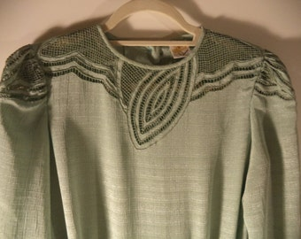 SALE Lacy bohemian mint green vintage dress// 1980s pleated dress//Silk Thailand// Size large