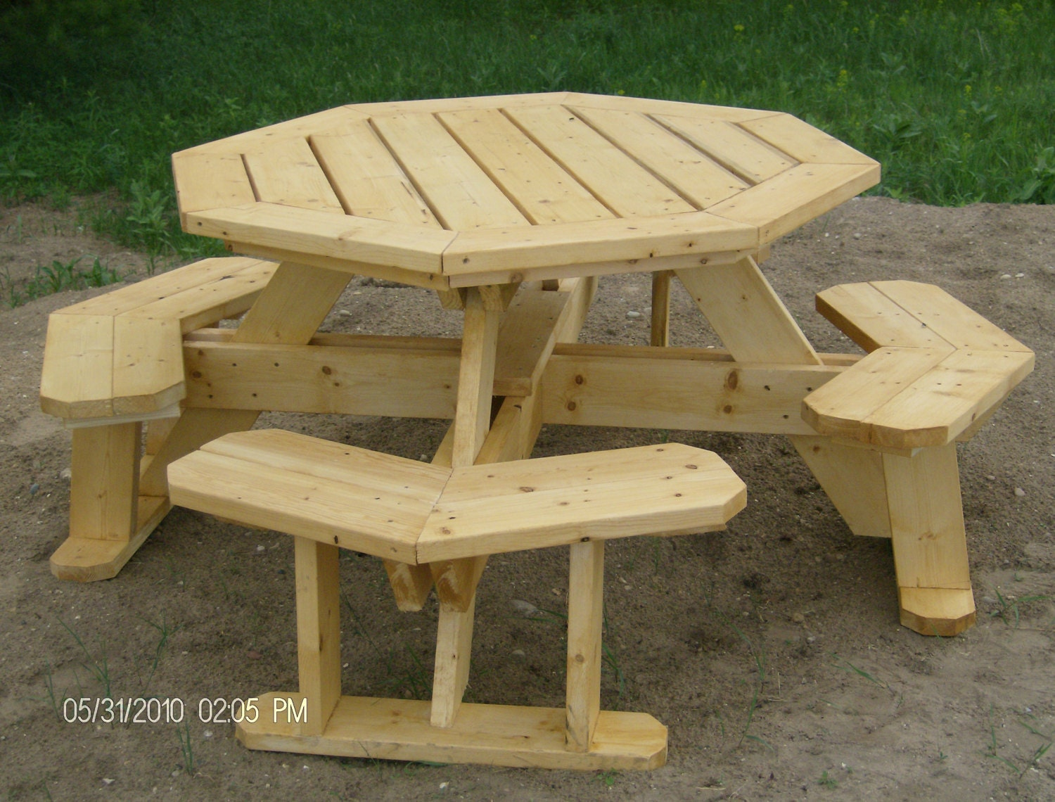 plans for building a octagon picnic table | Fine Woodworking Projects