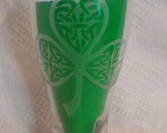 St Patrick's Day Pilsner//Etched Pilsner//Celtic Clover//Irish Beer Pilsner//St Patrick's Day Glass//Etched Glass
