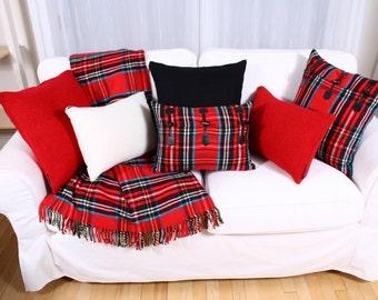 Scott red cushion