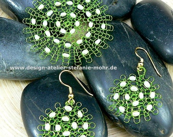 "wire crochet pendant & earrings ""FLOWER"" with small fresh water pearls"