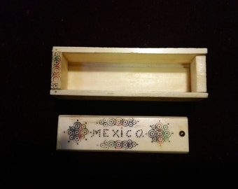 Vintage Natural Ivory Slide Open Mexico Trinket Box