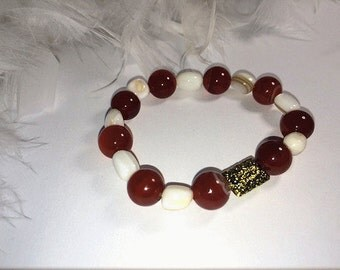 Agate and shell ethnic bracelet