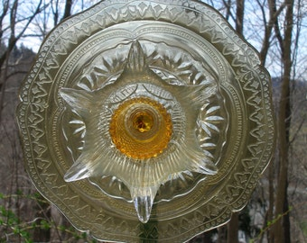 FREE SHIPPING Glass plate flower, garden art, sun catcher, yard art