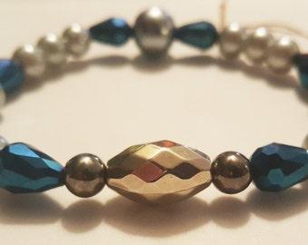 Blue accent bracelet