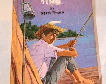 1970 Book, Huckleberry Finn by Mark Twain//Classic Huckberry Finn by Mark Twain 1970