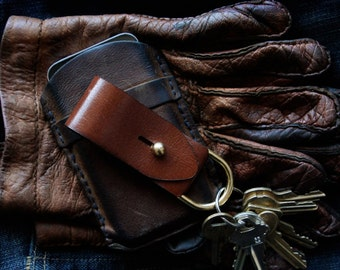 Leather Key Fob - EDC - Modern Keychain - Elegant - Handmade - Husband Gift - Boyfriend  Gift - Groomsmen Gift - Dad Gift - Leather Gift