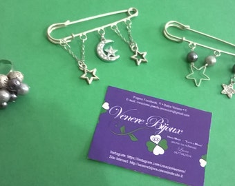 Set of 2 pins and a ring with charms