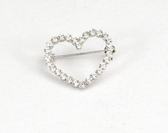 Vintage Rhinestone / Glass HEART Pin / Brooch   J321
