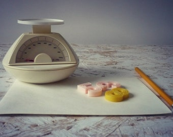 Office vintage scale - weighs retro haul gr-