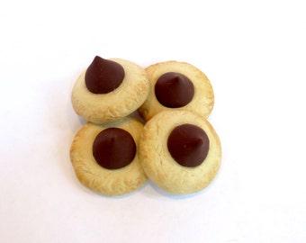 Peanut Blossom Cookies – American Girl Doll Dessert