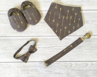 Pack Baby gold arrows-booties-baby shoes-pacifier clip-dummy clip-boy-baby booties-truck-blue-crawl shoes-bowtie-bib