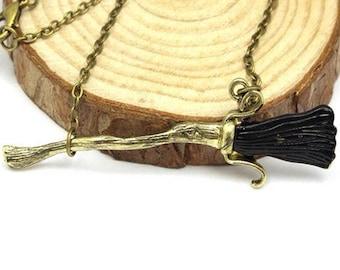 Necklace broom Harry potter. Necklace Harry Potter.