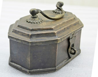 Indian antique Hand Crafted Brass Pan Box