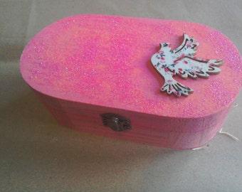 Pink glitter effect trinket box