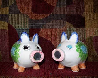 Vintage Kissing Pigs Salt & Pepper Shakers