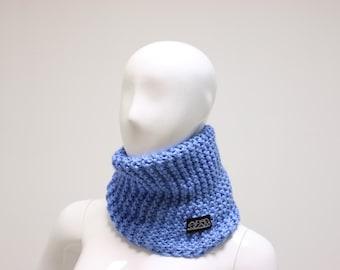 Granny Style cyan blue scarf