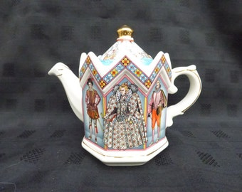 Vintage Sadler Novelty Tea Pot, History Series, Queen Elizabeth 1st