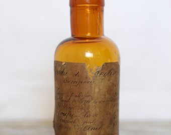 Pharmacy licorice powder Brown amber glass bottle - Vintage Apothecary brown glass bottle with original label Licorice Powder - Amber glass