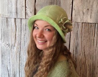 Felt hat, wet felted hat, green cloche, felt hat for women, felt flower, flapper hat, 1920s hat - 'Lettuce Felt'