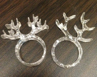 Horn shape rings with silver flakes