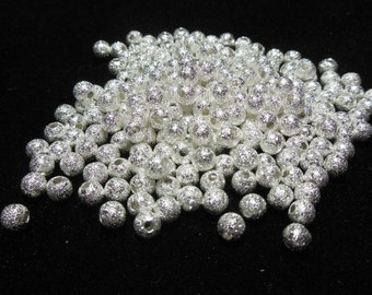 200 Silver Stardust Spacer Beads 4mm (B16g)