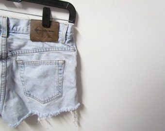 Cheeky Light Washed Calvin Klein Mid-Rise Denim Shorts Size 5