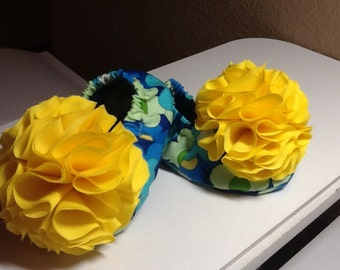 Baby Booties Blue Flowers