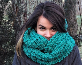 Knit Chunky Infinity Scarf-Teal-Made to Order-FREE SHIPPING