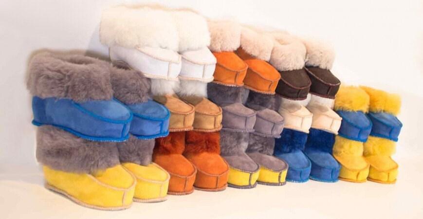chaussons en peau de mouton retourn e unisexe. Black Bedroom Furniture Sets. Home Design Ideas