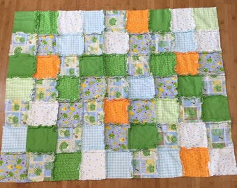 Frog Rag Quilt, Frog Quilt, Soft and Cuddly Blue and Green Frog Quilt