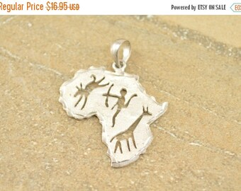 ON SALE Textured Africa Tribal Cut Out Pendant Sterling Silver 3.5g Vintage Estate