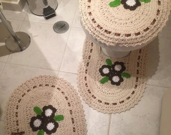 "Bathroom Decor Crochet Set ""Flower"" Toilet seat cover and mats"