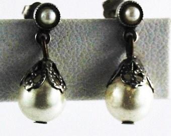 Pretty Pearl Dangle Drop Earrings