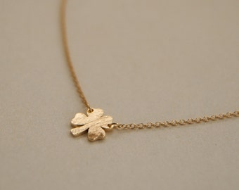 four leaf clover necklace- simple, cute, dainty jewerly - good luck - minimal jewelry- gift for her - gift under 10