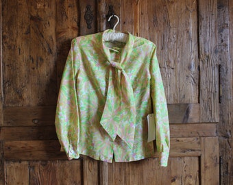 1970s floral selftie polyester  blouse (medium)