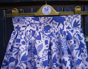 Folk motif skirt
