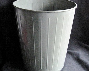 Industrial Salvage U.S. Government Witt Co. Metal Waste Basket / Bin