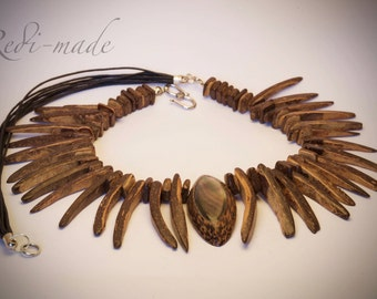 Necklace - coconut shell claws with a mother of pearl pendant (#259534)