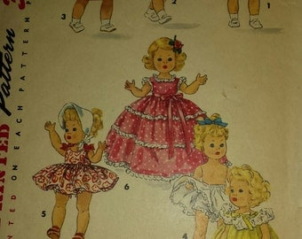 1950's Simplicity Printed Pattern for 8 inch doll clothes, 1372