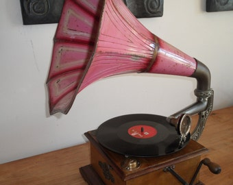 Original Parlophon Gramophone in Excellent Condition. Germany, ± 1910